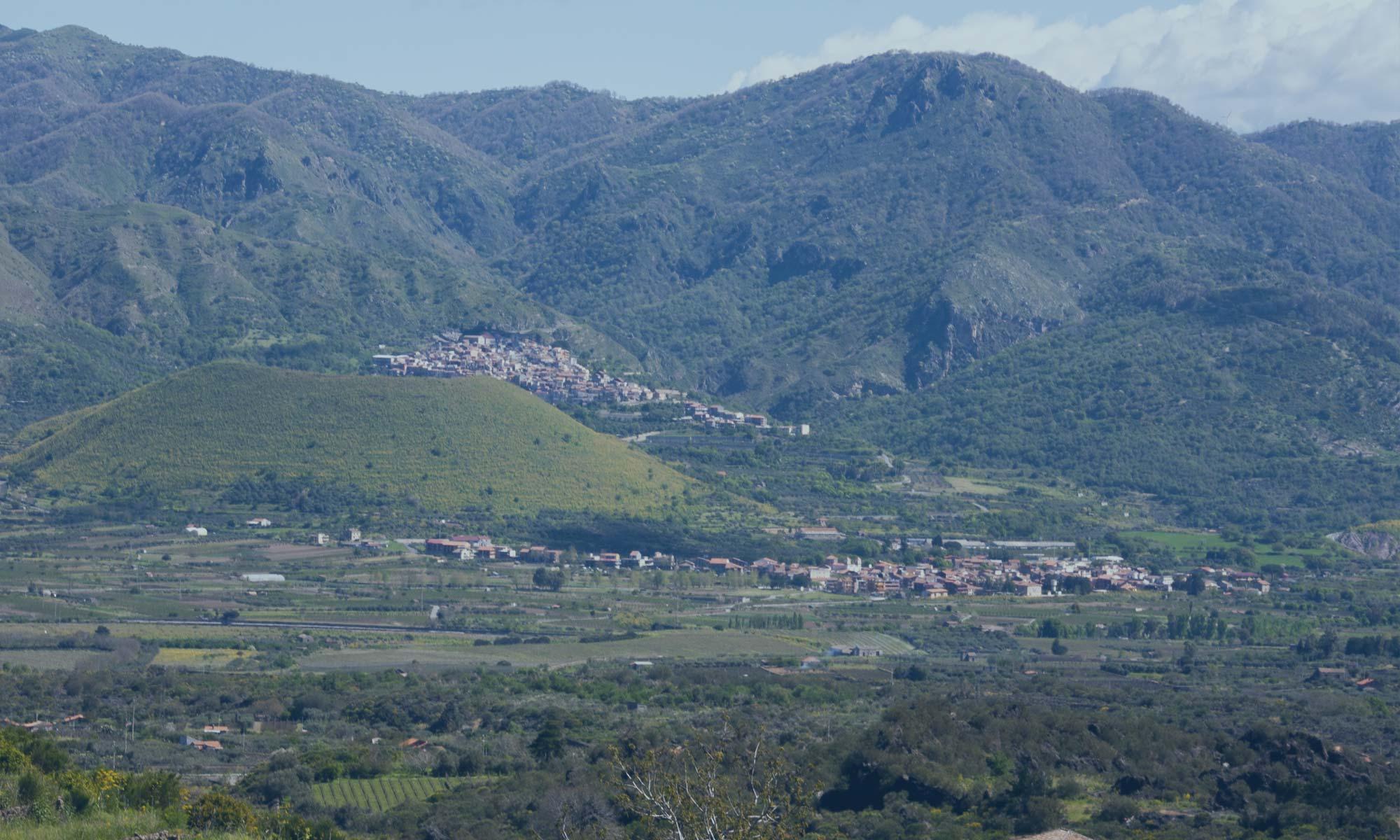 Panorama sul Vulcanetto di Mojo Alcantara e Malvagna